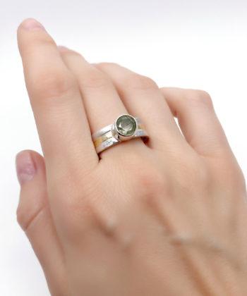 inel din aur și argint cu cuarț rutilat